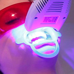 Photobleaching teeth